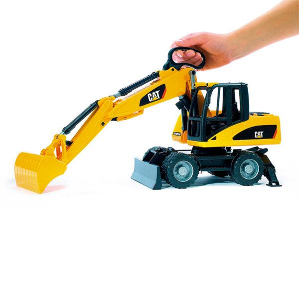 Excavadora con brazo cuchara CAT - Ref. Bruder 2445