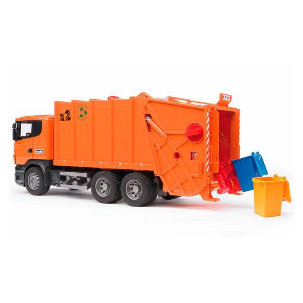 Camión de Basura Scania Naranja con Carga Trasera – Ref. Bruder 3560